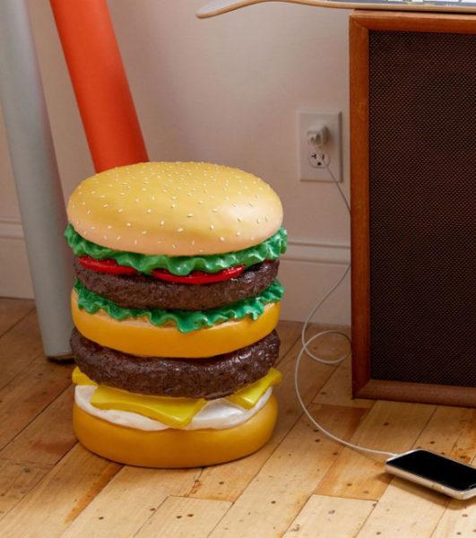 tabouret-en-forme-de-hamburger-geant