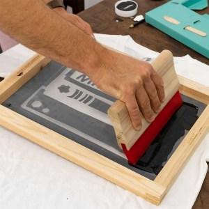 kit-serigraphie-a-faire-soi-meme-textile-debutant-maison-etape-finition