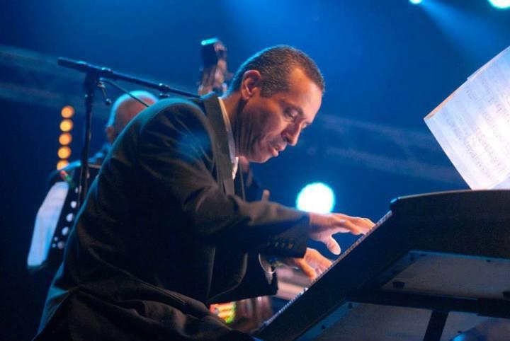 José Tuki Torres (piano)