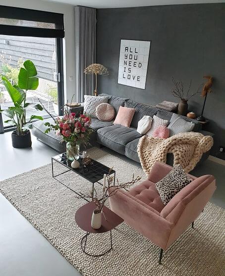 roze in je woonkamer