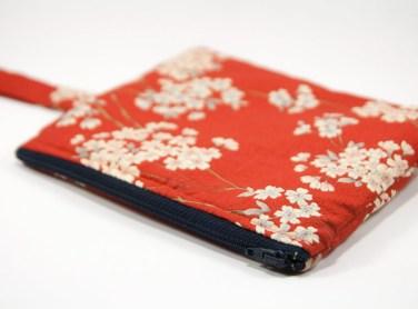 Pochette à lanière japonaise rouge fleurie - Hukkaido