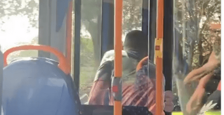 bus-driver-teaches-abusive-passenger-a-lesson-by-trapping-him…
