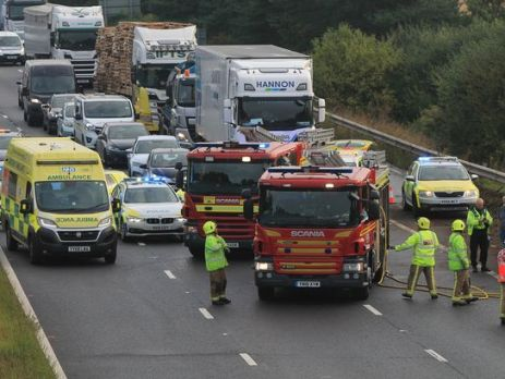 two-rushed-to-hull-hospital-as-m62-crash-causes-rush-hour…