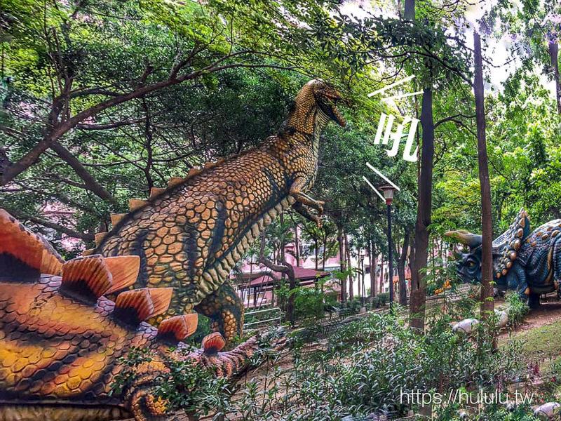 台南景點 什麼!台南市區居然出現大恐龍~歡迎來到侏羅紀公園~吼吼~~超巨大暴龍超吸晴 !免費景點|自由參觀|親子|長谷鳳凰城
