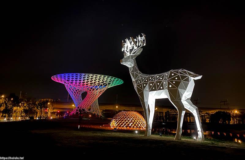 台南新地標 台南也有小鹿斑比啦~巨大白鹿超吸晴!綠能趨勢裝置藝術,綠能科技示範場域「科技伊甸園」|台南景點|最新打卡地標|免門票|