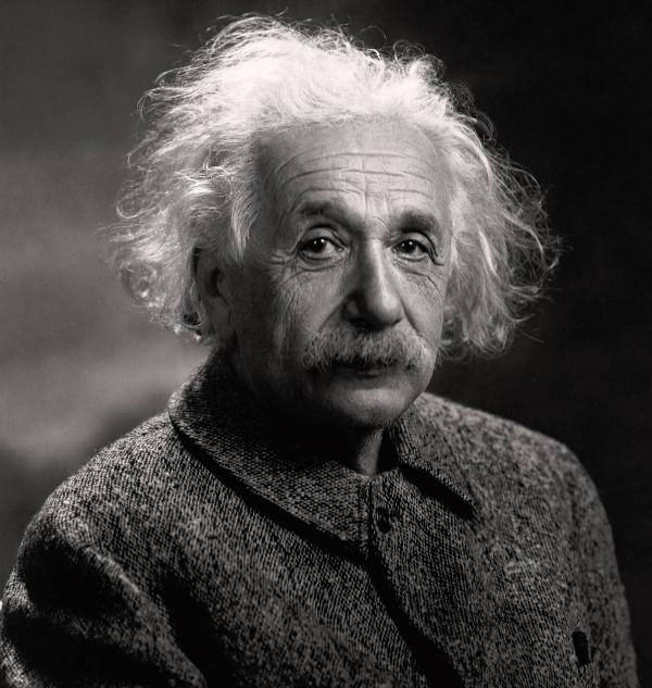Альберт Эйнштейн в СМИ