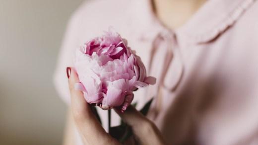 Почему женщины не должны скрывать свой возраст