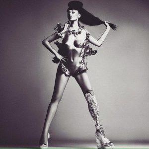 Бионическая певица Виктория Модеста