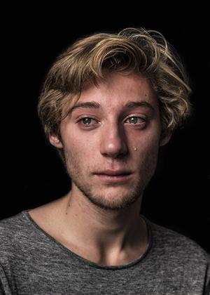 Мужчины тоже плачут: история в фотографиях