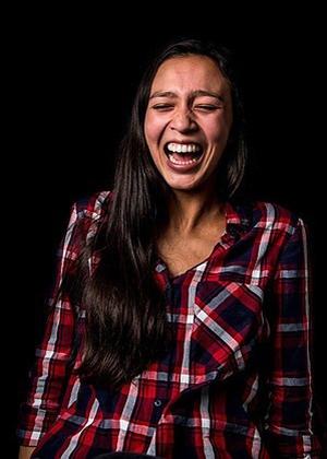 Как смеются женщины: фото