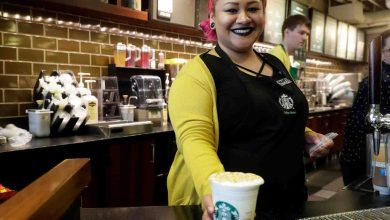 Photo of Starbucks is paying workers for 30 days, even if they don't show up for work amid the coronavirus outbreak