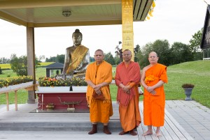 Munkene ved Wat Thai representerer en tradisjonelt forankret buddhisme. Foto: Marte Aubert
