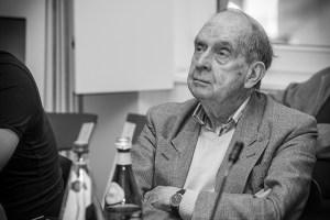 Larry Siedentop er en navngjeten filosof. Her ved en konferanse i Luxemburg. Foto: © Olli Eickholt / Wikimedia Commons (CC BY-SA 3.0 LU).