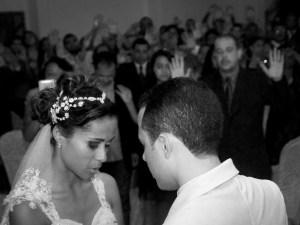 Viviane Guedes Gomes og Adaias Sales Gomes fikk menighetens velsignelse da de giftet seg for tre år siden. Pinsemiljøene er gode miljøer å møte partnere i. Foto: Roar Nerdal