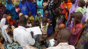 Vaksineringskampanje i delstaten Kano. Boko Haram har ved flere anledninger angrepet helsesøstre som vaksinere barn mot polio, med den følge at polio en kort tid blusset opp i Nord-Nigeria. Boko Harams generelle skepsis til all «vestlig vitenskap» omfatter konspiratoriske ideer om vaksiner. Foto: Maren Sæbø.
