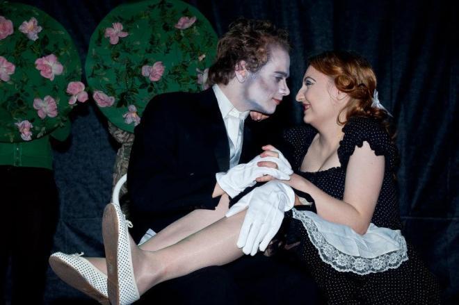 Porkington Parkin hovimestari Edward ja palvelusneito Ella. Kuva: Noora Sandgren