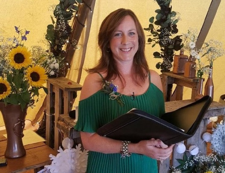 Humanist celebrant Maria Thorne
