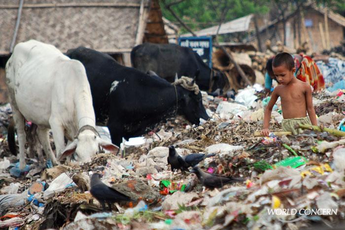 https://i1.wp.com/humanitarian.worldconcern.org/wp-content/uploads/2009/05/humanitarian-asia-bangladesh-dump2.jpg