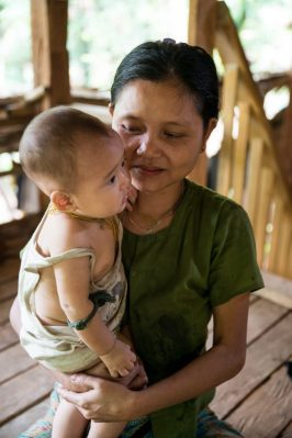 girl-and-mom-myanmar