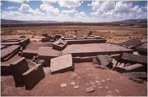 les mégalithes de Pumapunku (Bolivie) dans histoire de l'humanité PumaPunku1-300x197