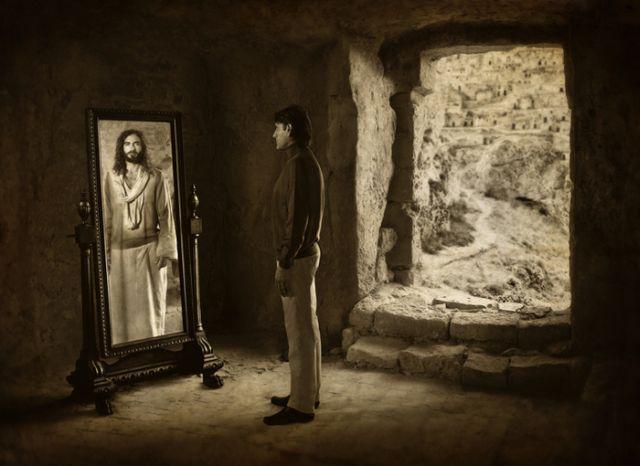 jesus_christ_in-mirror