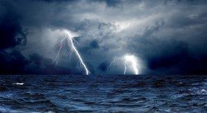 lightning-storm-at-sea-wallpaper-2