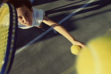 Free tennis lessons for 20,000 children across the UK