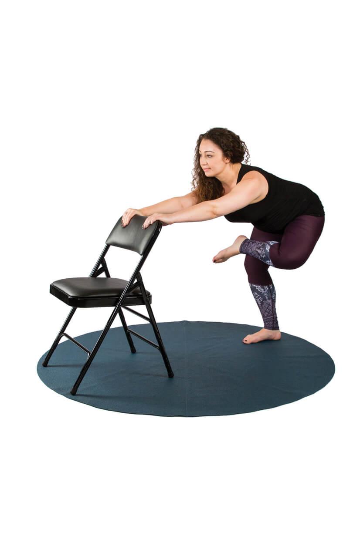 Hip stretch pose in pregnancy