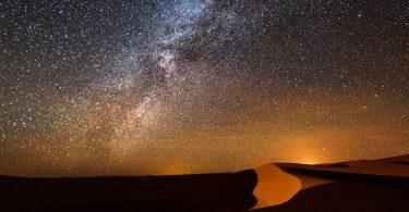 Saharan yötaivas.