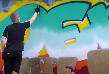Väittelysanakirjan graffiti syntyy.