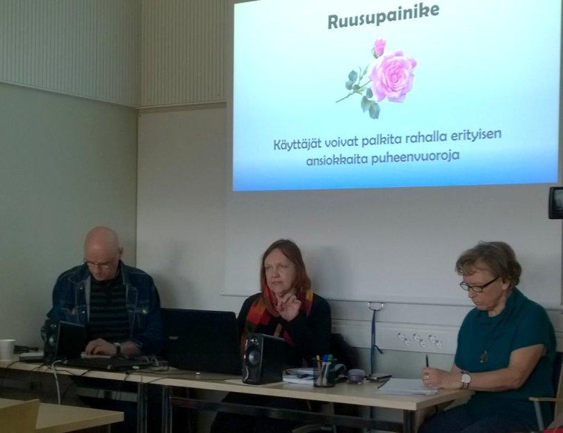 Ihmiskunnan tie -väittelysanakirjan esittelyä Suomen sosiaalifoorumin tilaisuudessa v. 2018.