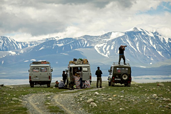 Arriving at the edge of Tavan Bogd National Park