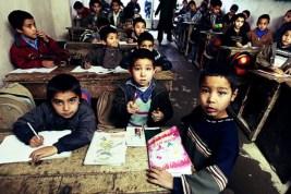 جلوگیری-از-تحصیل-کودکان-در-ایران-765x510.jpg