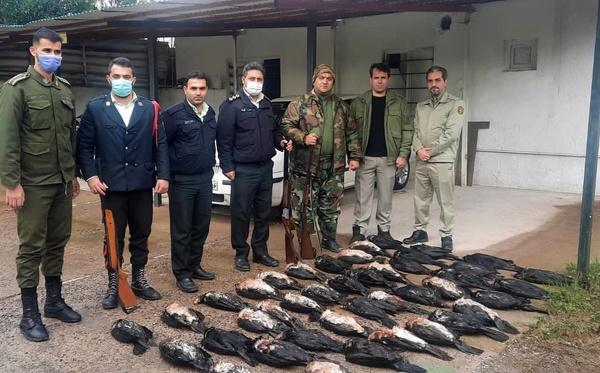 شکارچیان بازداشت شده در حوزه استحفاظی شهرستان بندرانزلی