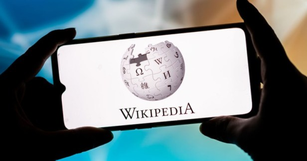 wikipedia co founder says online encyclopedia is now largely just 'leftist propaganda'