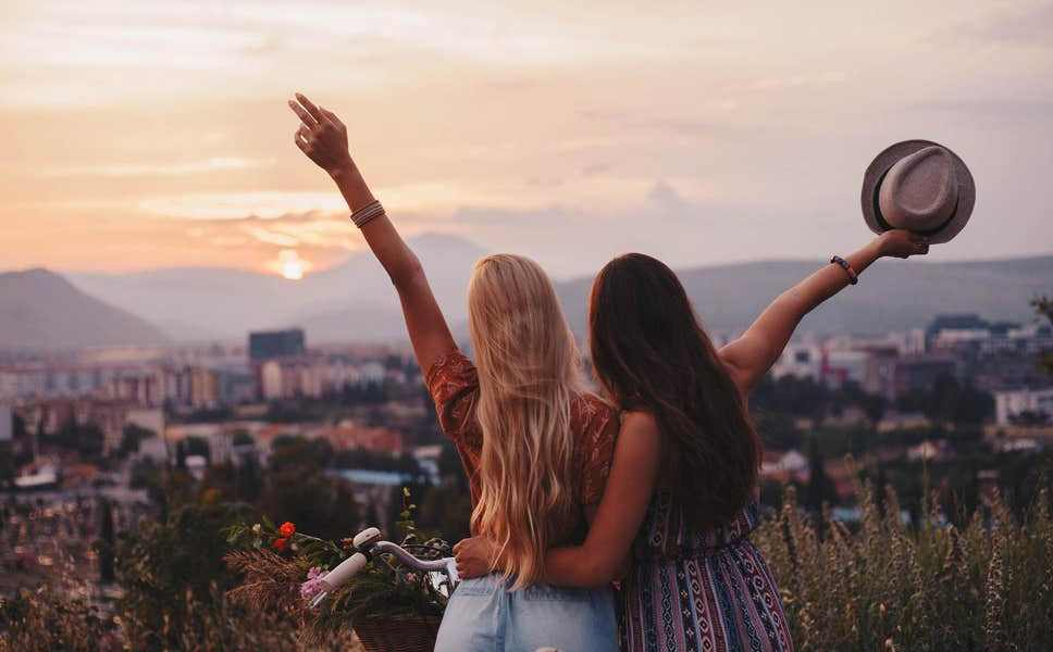 best friends travel