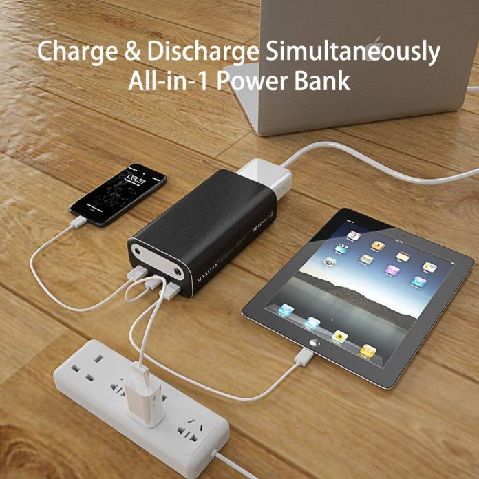 Maxoak Bluetti AC10 Outlet Power Bank