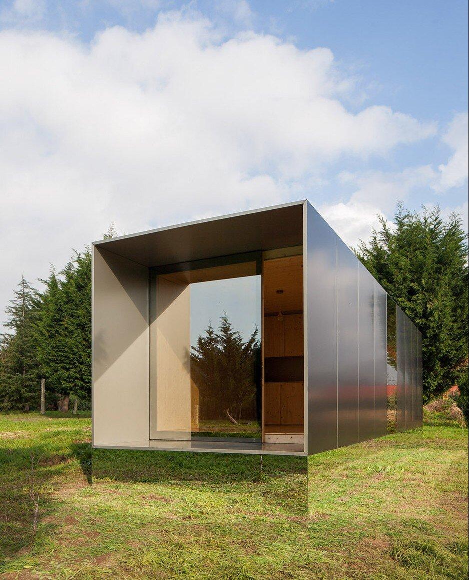 Mima Light A Prefab Minimalist Tiny House From Portugal