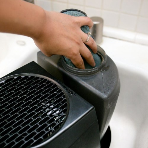 Image of how to clean a humidifier