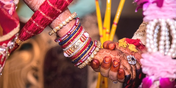 the-groom-take-only-rs-1-rupee-as-shagun-1