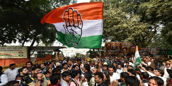 income-tax-department-issued-notice-to-congress-over-rs-170-crore-black-money-2