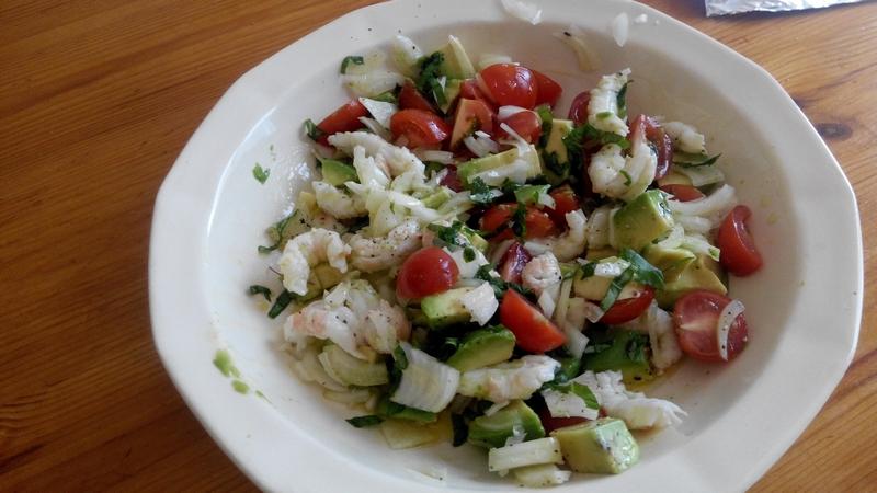 salade avocat écrevisses tomates cerises