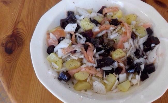 Salade pomme de terre et saumon fumé