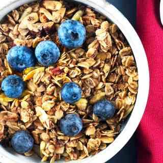 Homemade Healthy Nutty Granola