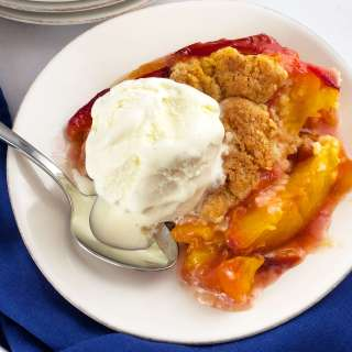 Fresh Peach Cobbler with ice cream