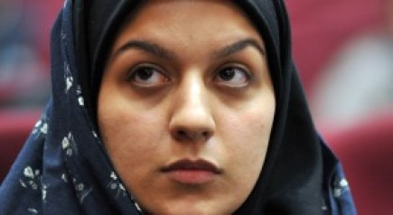 Iranian Reihaneh Jabbari on trial inTeheran, Iran, 15 December 2008. According to the allegations, Jabbari killed her rapist with a knife in an act of self-defence in July of 2007. The court sentenced her to death for committing murder. According to Iranian laws, an execution could be avoided with a pardon from the family of the victim. This has been rejected multiple times and the family demands revenge. Photo: Goalara Sajadieh/dpa