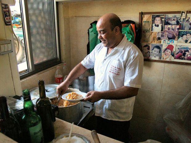 בעל הבית, מוניר מוחמד - אבו אדהם