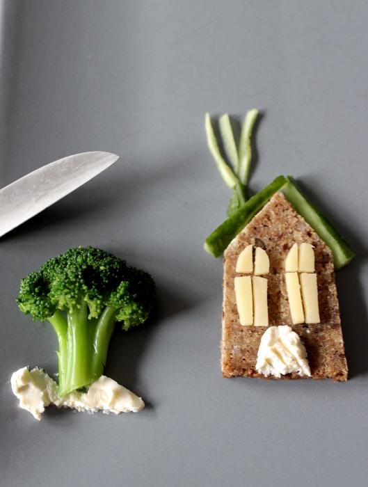 Essensbild mit Haus und Baum