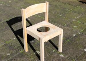 abgeschliffener Stuhl