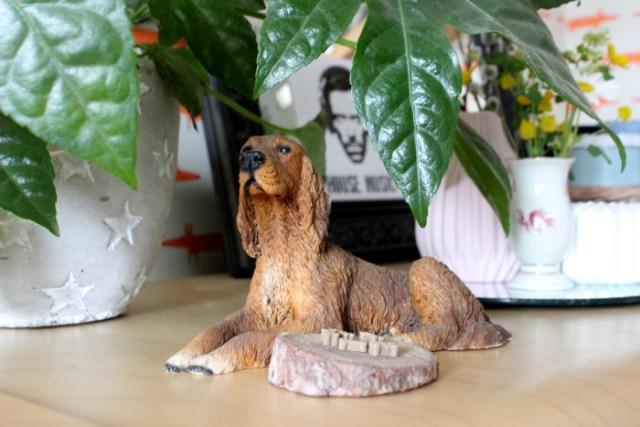 Irischer Setter aus Porzellan